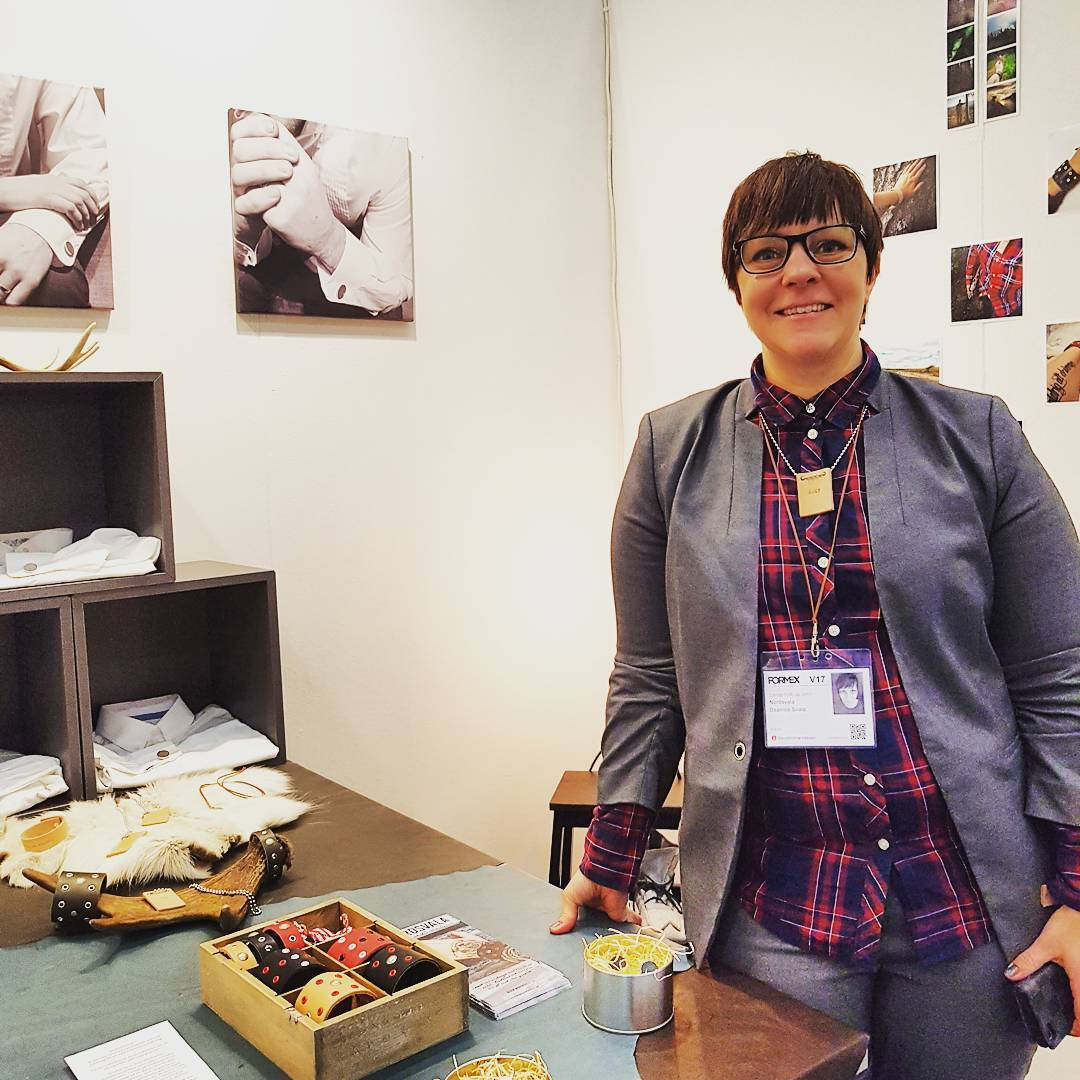 Enjoying every minute at - it was great to meet super talented Beatrice from @nordsvala and see her beautiful creations!  </p> </section> <section class=